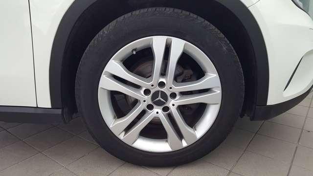 MERCEDES GLA 200d SPORT 136cv